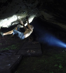 Terence Trevaskis on Joe Mohle's 7a at Prophet's Cave